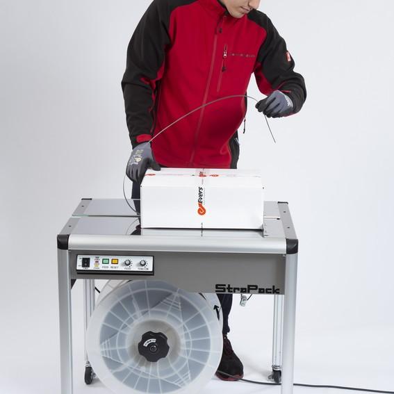 Umreifungsmaschine StraPack iQ-400 | Evers GmbH