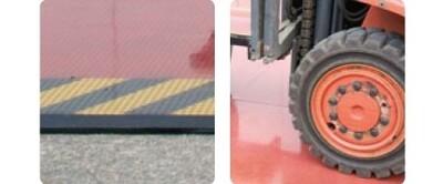 secutex-Bodenplatten schützen einen Bereich vor den Rädern eines Gabelstaplers