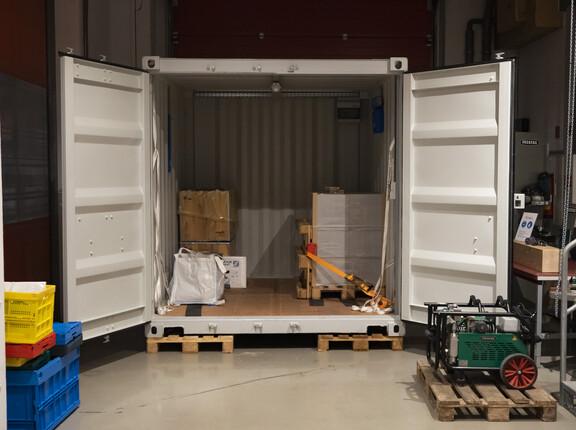 Testen Sie unterschiedliche Möglichkeiten der Ladungs- und Ladeeinheitensicherung in unserem 10-Fuß-Container.